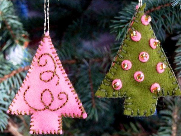 новогодние елочные украшения из фетра