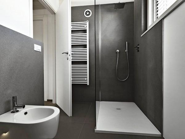 сочетание серого цвета в интерьере ванной