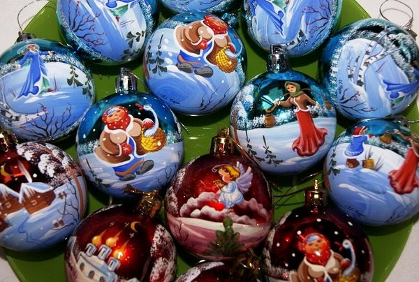 стеклянные новогодние игрушки ручной работы