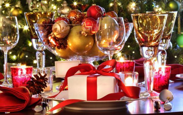 украшение новогоднего стола фото идеи