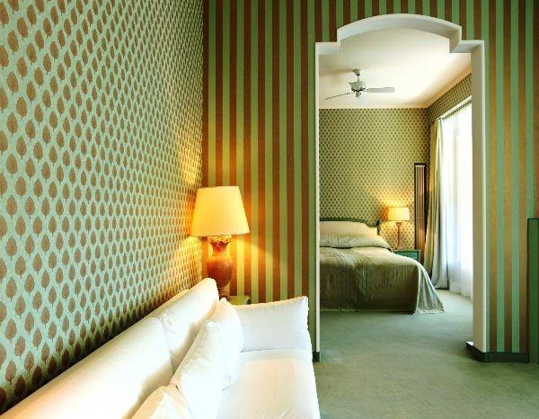 Дизайн комбинированных обоев для зала фото